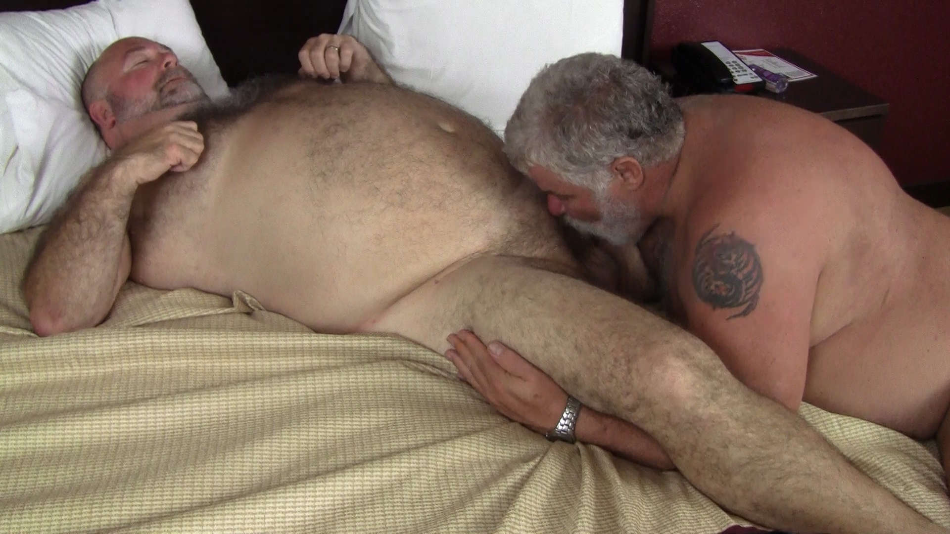 Lusty mature doing blowjob