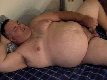 Chubby Daddy Video A very sexy daddy bear jerks his thick dick in this hot ...